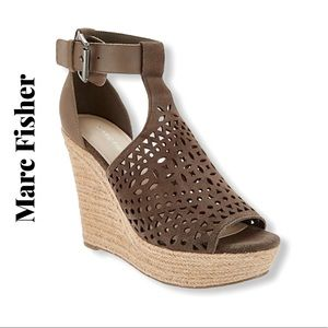 Marc Fisher Perforated Laser Cut Sandals Sz 8.5